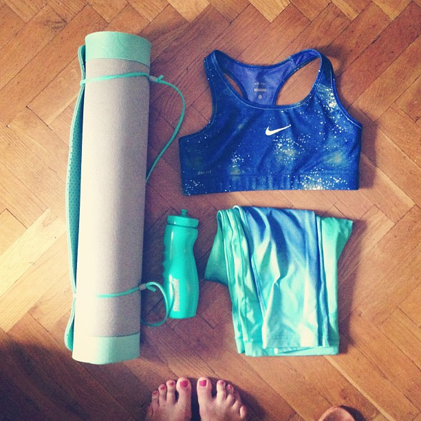 Top 5 Killarney Spots For Affordable Yoga Clothing